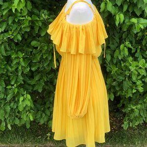 Endless Rose Off-the-Shoulder Dress